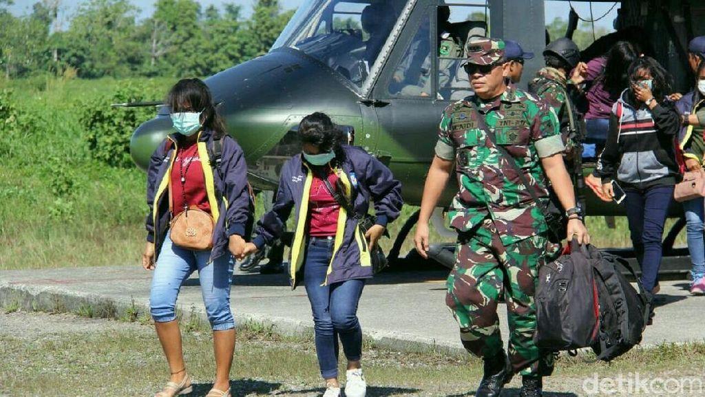 Disandera Kelompok Bersenjata, Evakuasi di Papua Tersisa 3 Guru