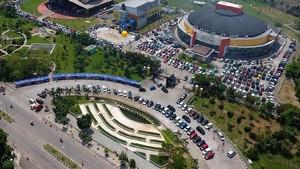 Bandung Dipenuhi Mobil Karimun