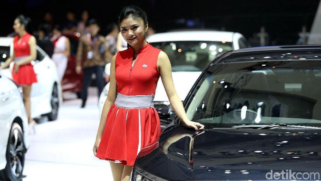 Bikin Gagal Fokus, Deretan Wanita Cantik di IIMS 2018