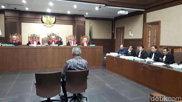 Dokter Bimanesh Akui Ditelepon Fredrich untuk Rawat Novanto