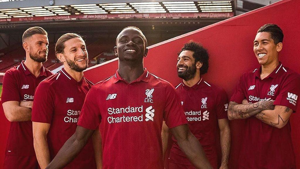 Merah Retro Jersey Baru Liverpool
