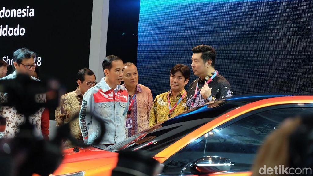 Kini Jaket Indonesia Jokowi Tak Terbelah Lagi