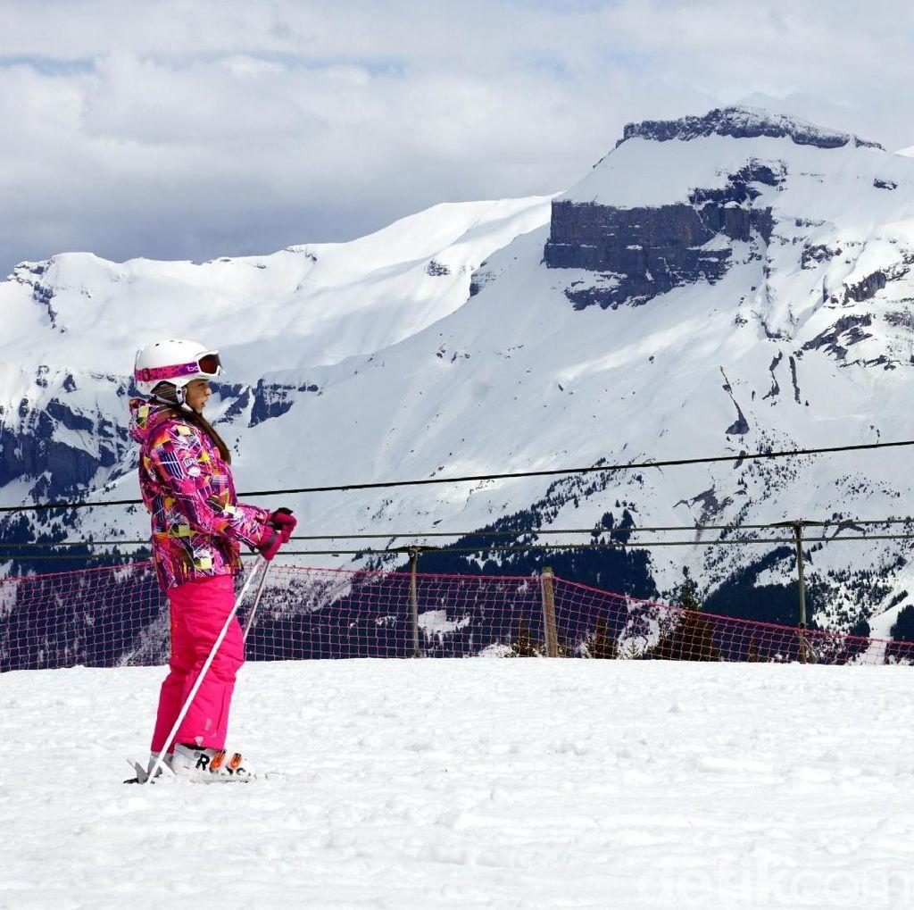 Foto: Anak-anak Kecil di Prancis Sudah Jago Main Ski