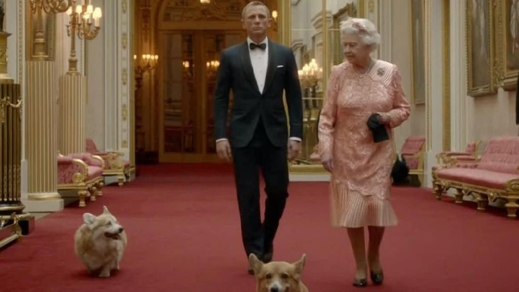 Anjing Kesayangan Disuntik Mati, Ratu Elizabeth II Berduka