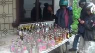 Polisi Gerebek Pabrik Miras di Makassar, Ribuan Botol Disita