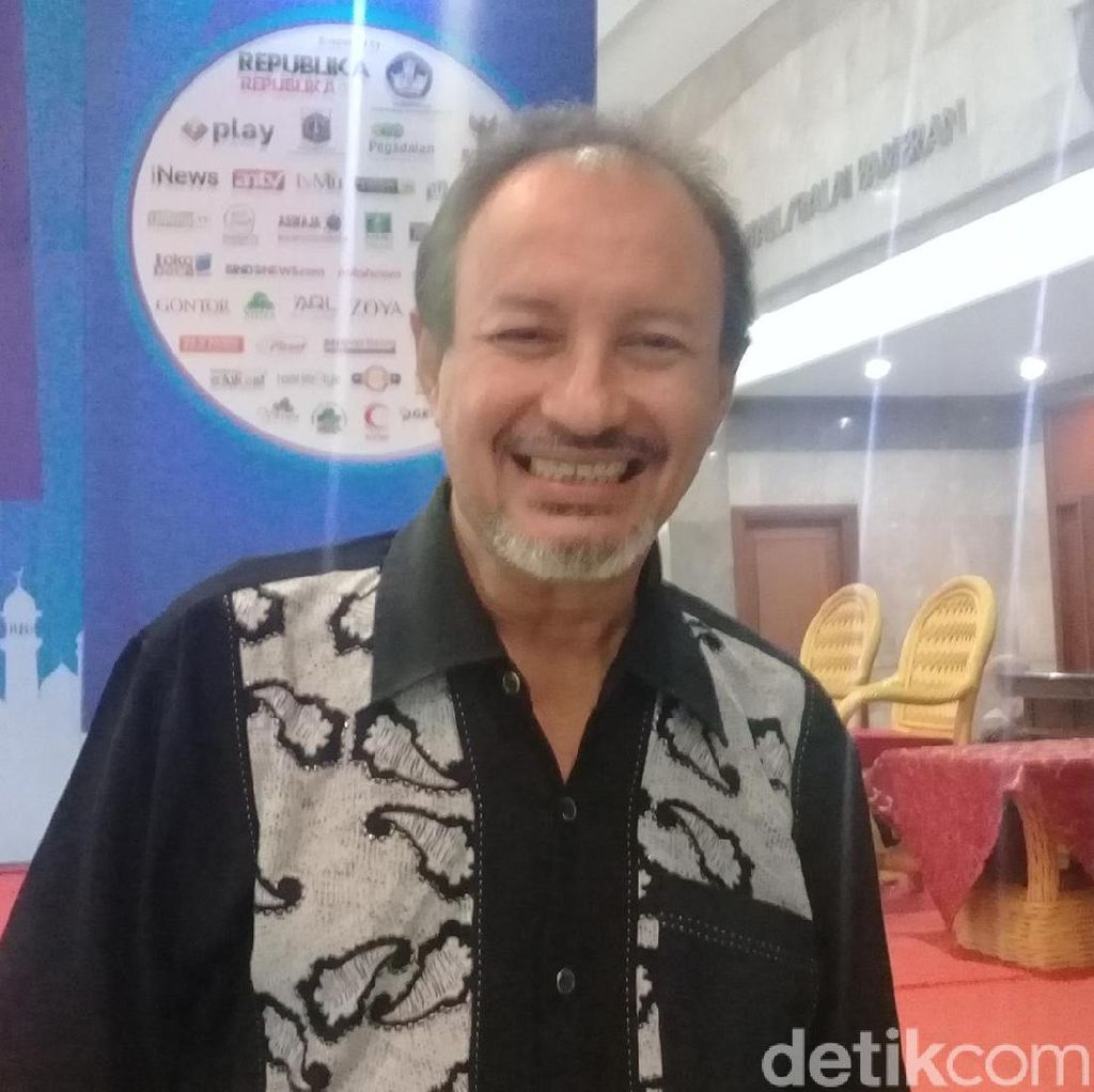 Fuad Baradja, Dari Aktor Jadi Terapis Tobat Rokok