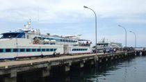 Pelabuhan Waisai di Raja Ampat yang Menyambut Hangat