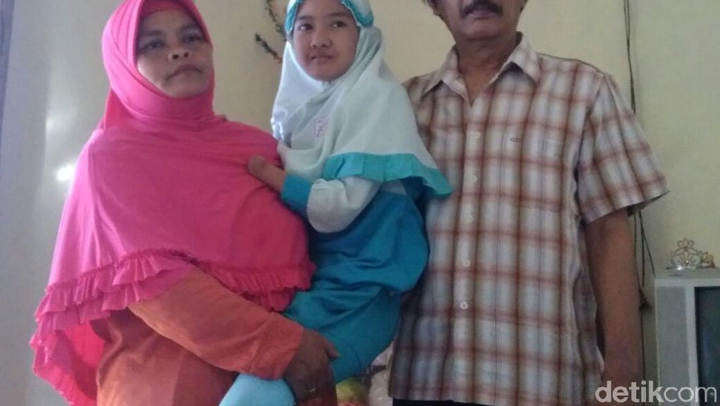 Ibu Bocah yang Minta Kursi Roda ke Jokowi: Saya Terima Kehendak Allah