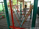Arena Bermain Anak di RPTRA Kolong Flyover Tomang