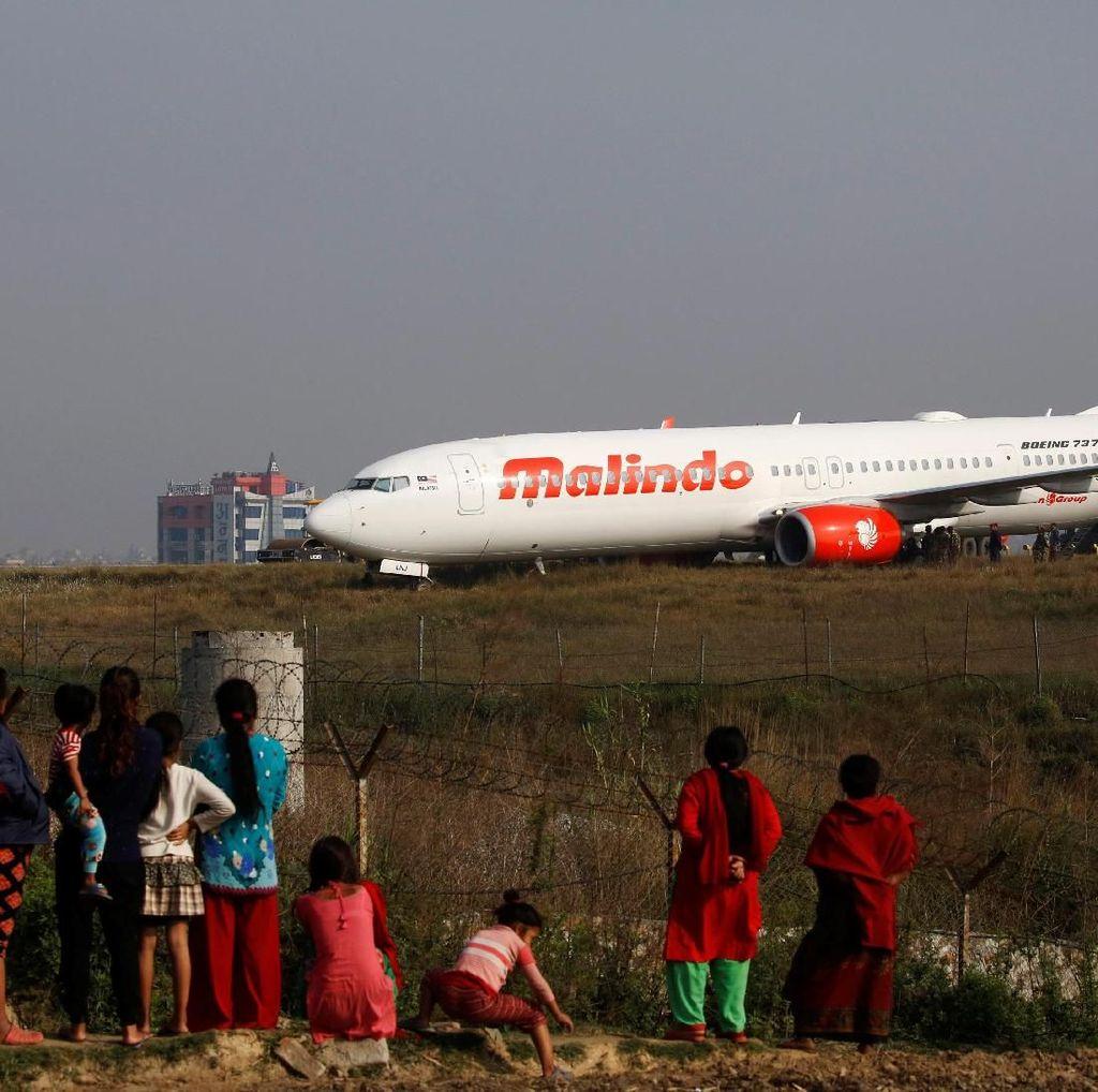 Foto: Malindo Air yang Tergelincir di Nepal Jadi Tontonan Warga