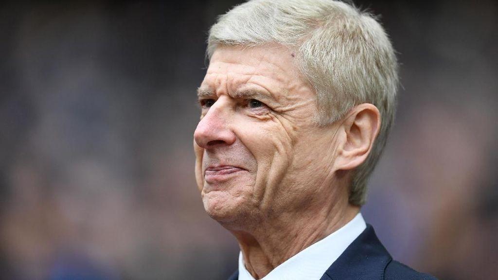 Gary Neville: Wenger Bangun Tim Terbaik di Inggris