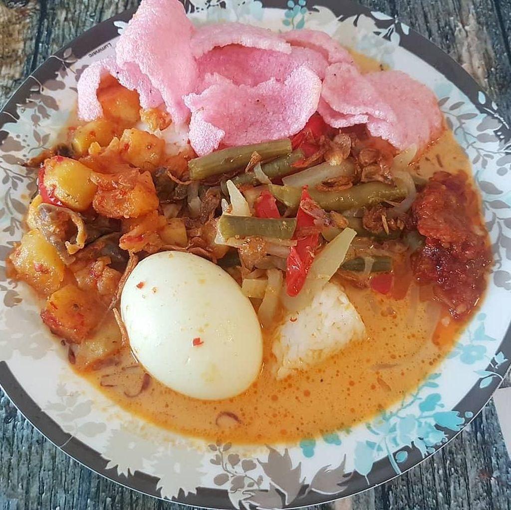 Habis Olahraga Pagi, Enaknya Makan Lontong Sayur Kesukaan Netizen Ini!