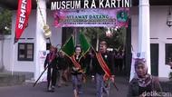 Sakralnya Kirab Pataka RA Kartini di Rembang