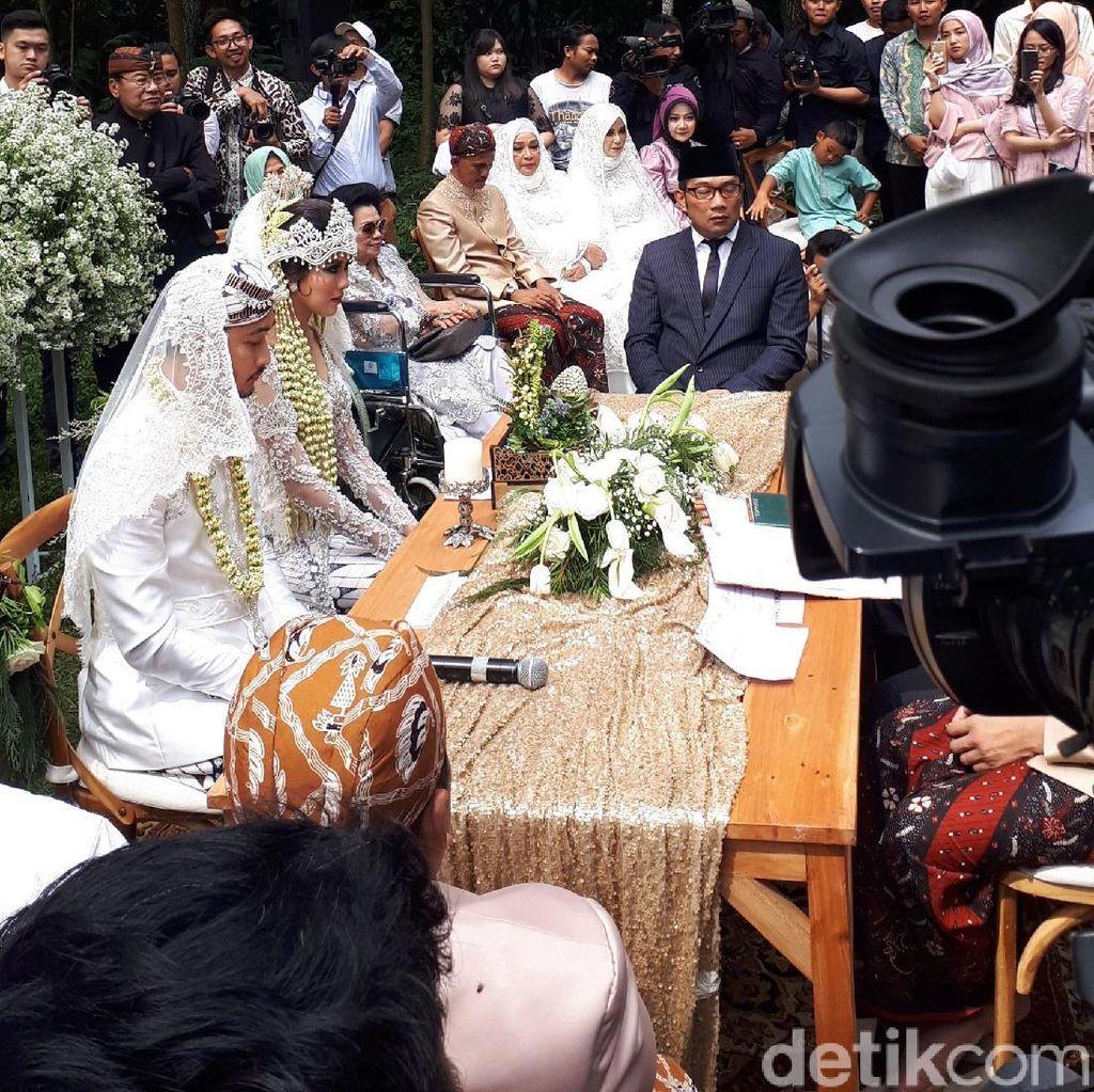 Momen Lucu di Akad Nikah Syahnaz dan Jeje Govinda