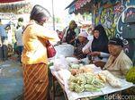 Pasar Jember Dicat Warna-warni di Hari Kartini, Pedagang Berkebaya