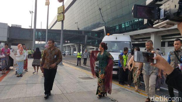 Permalink to Sumringah, Kartini Flight Bersama Menteri Susi