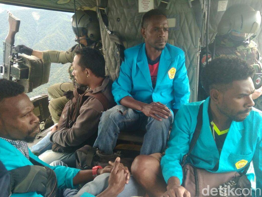 Lepas dari Penyandera, 3 Guru PPL Dievakuasi ke Timika
