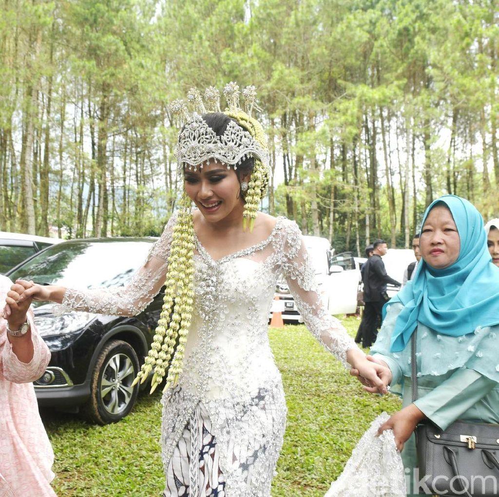 Untaian Bunga di Akad Nikah Syahnaz dan Jeje Govinda