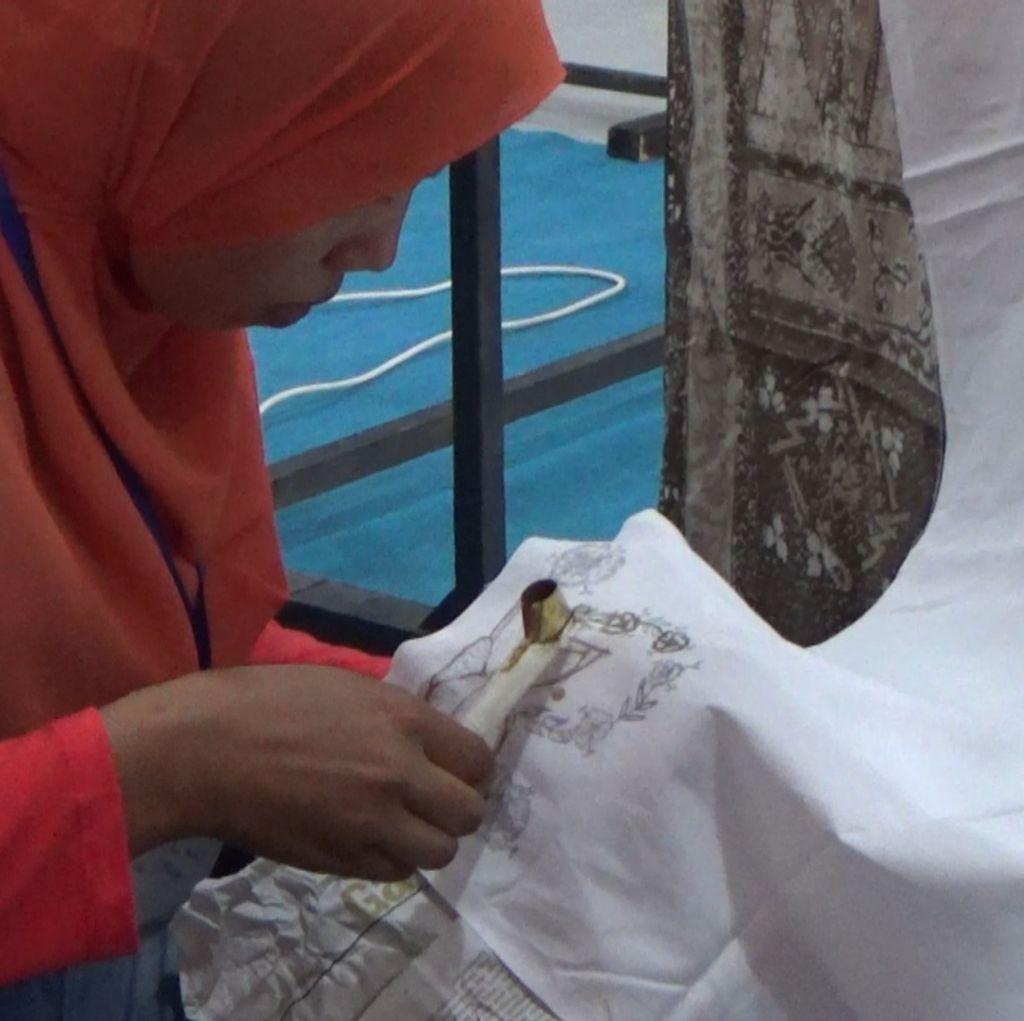 Begini Aksi Tahanan Perempuan Belajar Membatik di Hari Kartini