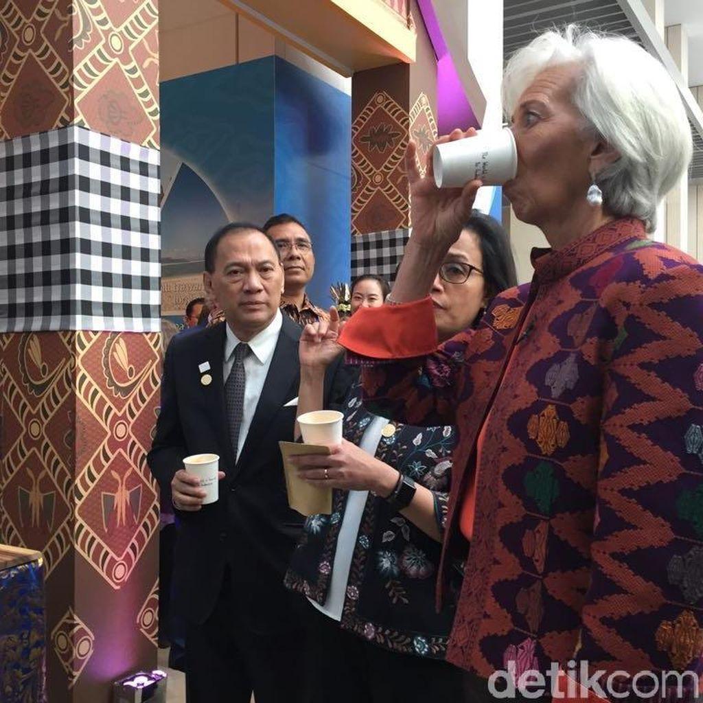 Bos IMF, Sri Mulyani dan Agus Marto Nikmati Kopi Khas RI di AS
