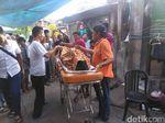 Korban Tewas Miras Oplosan di Surabaya Diautopsi di RS Bhayangkara