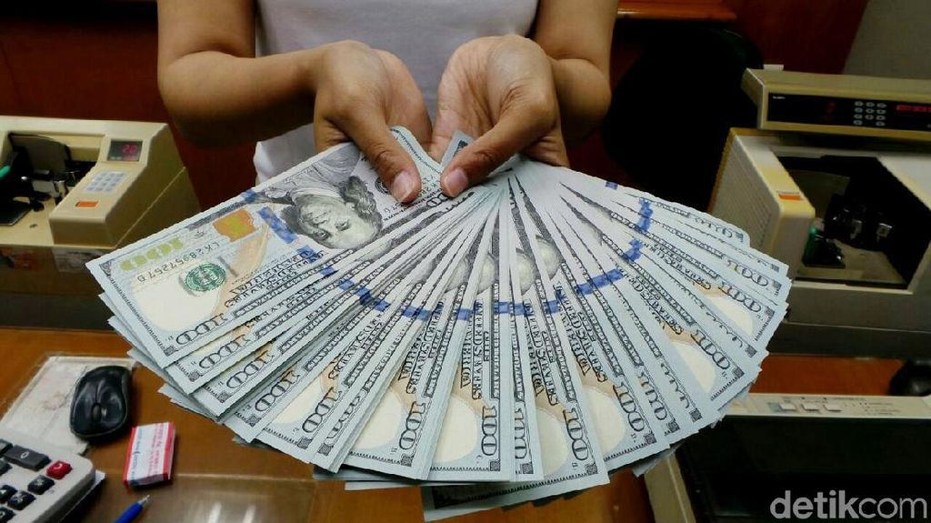 Money Changer Jual Dolar AS Rp 13.950