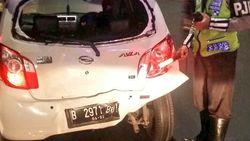2 Kendaraan Kecelakaan di Tol Pejompongan, 1 Mobil Ringsek
