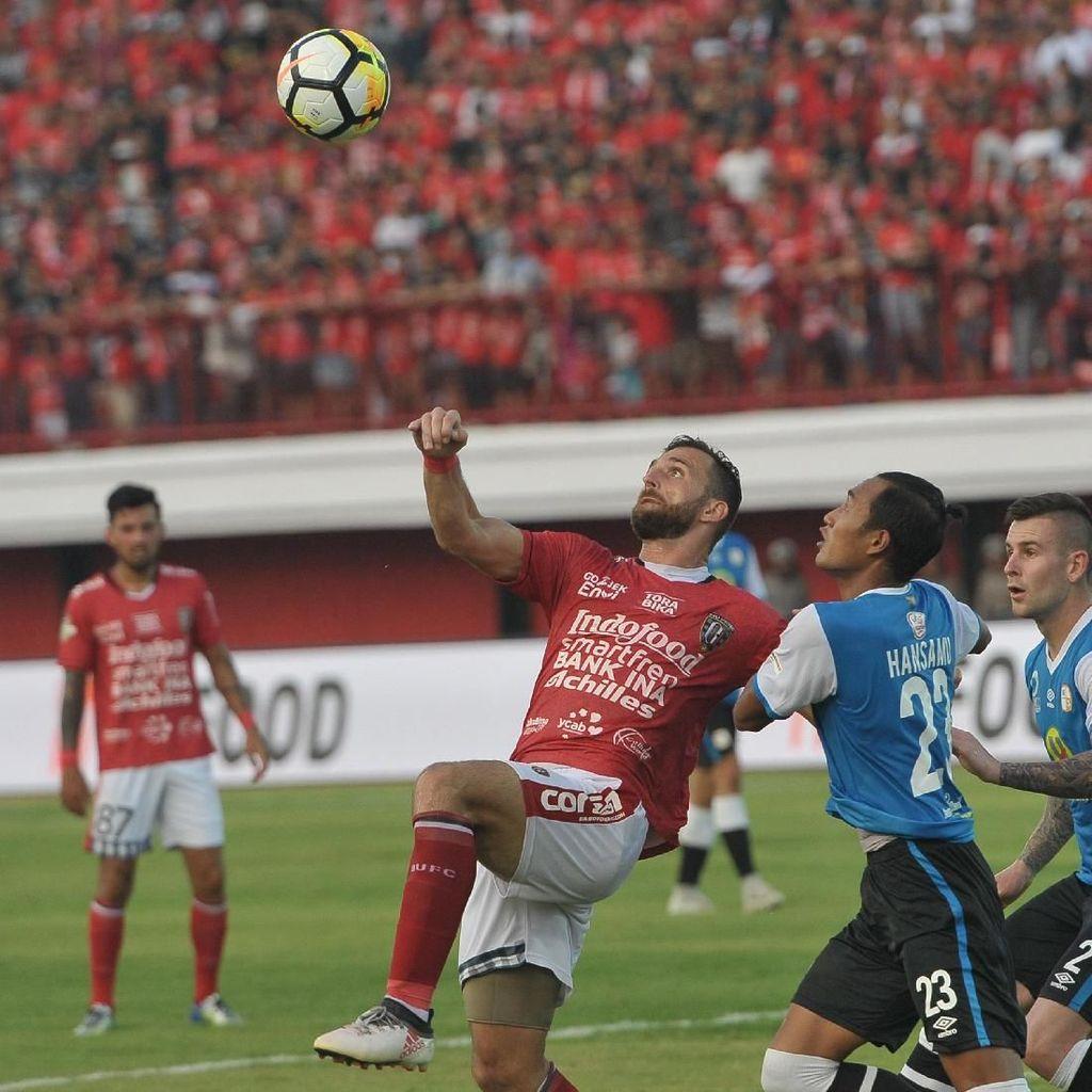 Bali United Kalahkan Barito Putera 2-0