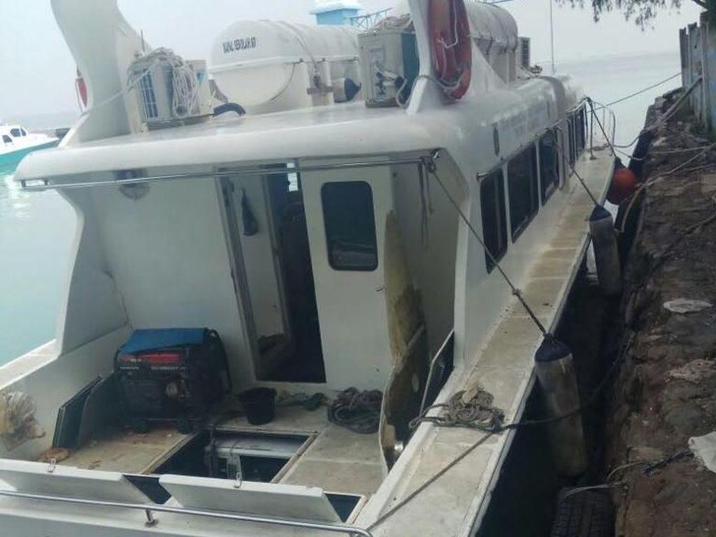 Damkar DKI: Ledakan Kapal Dishub Karena Korsleting Aki