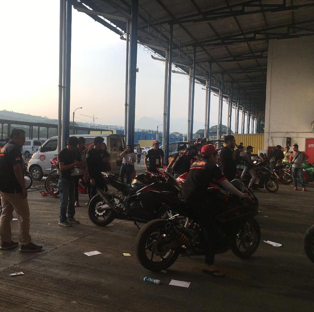 Suasana Jelang Seri Pertama Indonesia CBR Race Day