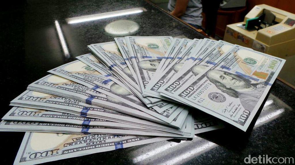 Dolar AS Semakin Dekat ke Rp 14.000