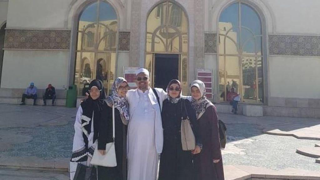 Ini Lokasi Habib Rizieq Berfoto di Maroko