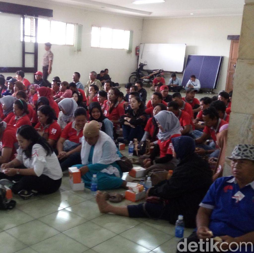 Kampoeng Rawa Ditutup, Petani dan Nelayan Geruduk DPRD Semarang