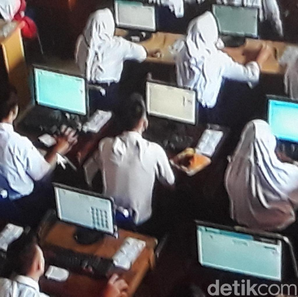 UNBK SMP Terkendala Server, Kemendikbud Minta Maaf