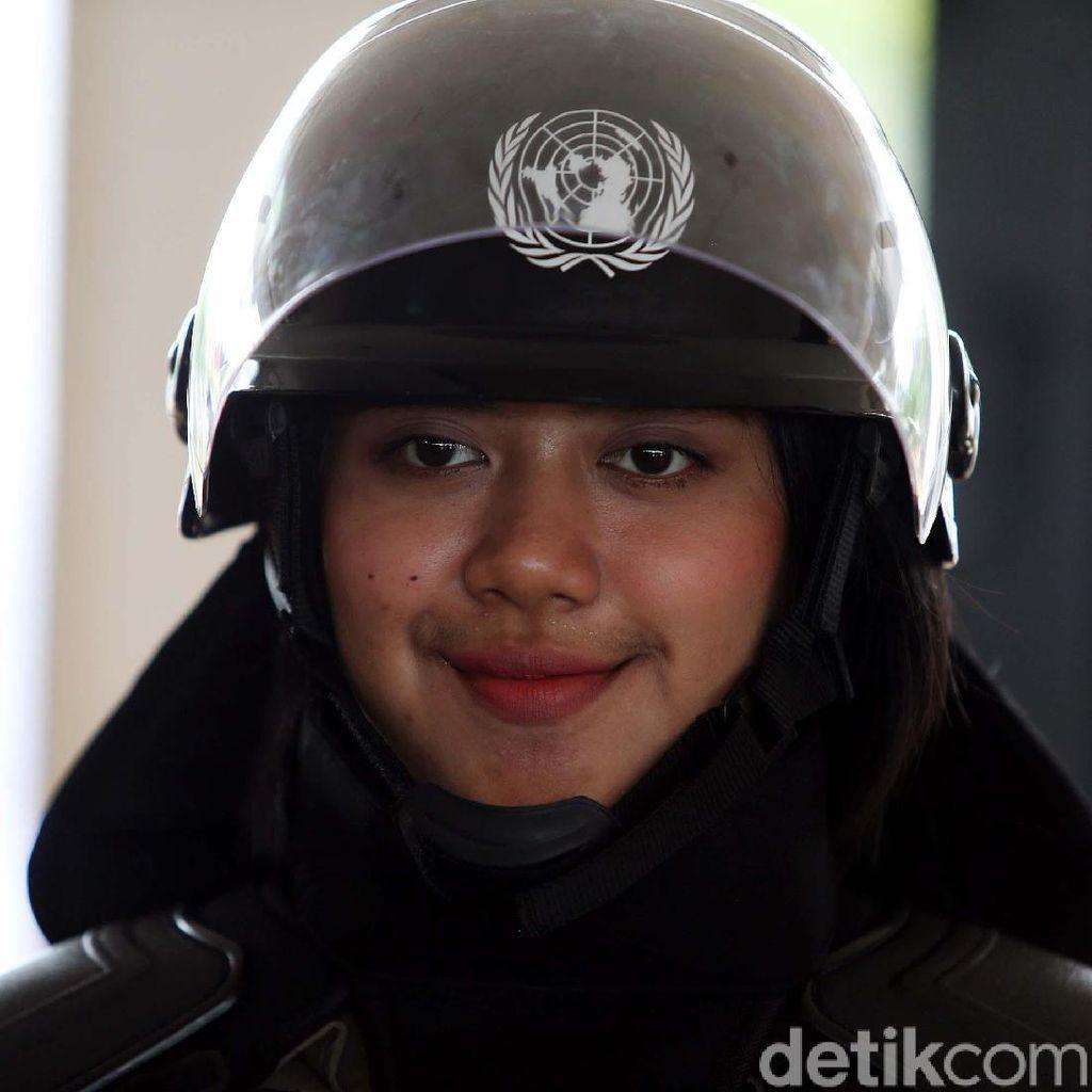 Cantiknya Pasukan Penjaga Perdamaian Polri