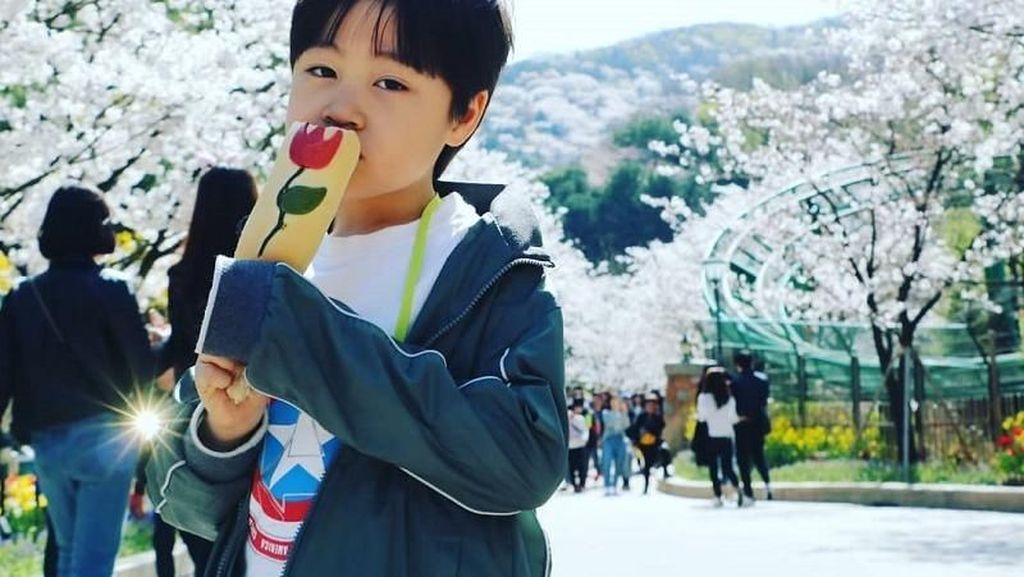 Corn Dog Motif Tulip Ini Jadi Camilan Hits Baru di Korea Selatan!