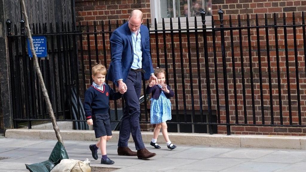 George dan Charlotte Tiba di RS Tengok Kate Middleton