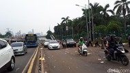 Massa Ojol Bubar, Lalin Depan Gedung DPR Kembali Dibuka