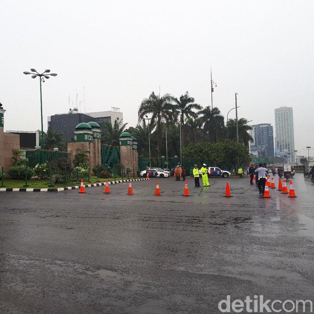 Polisi Siaga Jelang Demo Driver Ojol di DPR