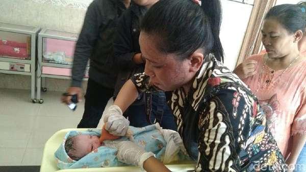 Bidan Perkirakan Bayi yang Ditemukan di Rumah Kosong Baru Dilahirkan