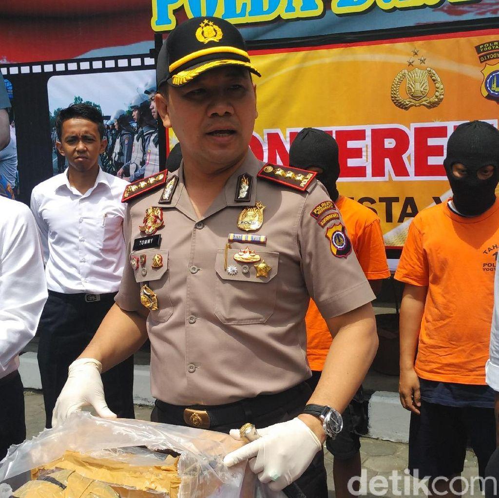 Polisi Yogya Amankan 2,2 Kg Ganja Siap Edar