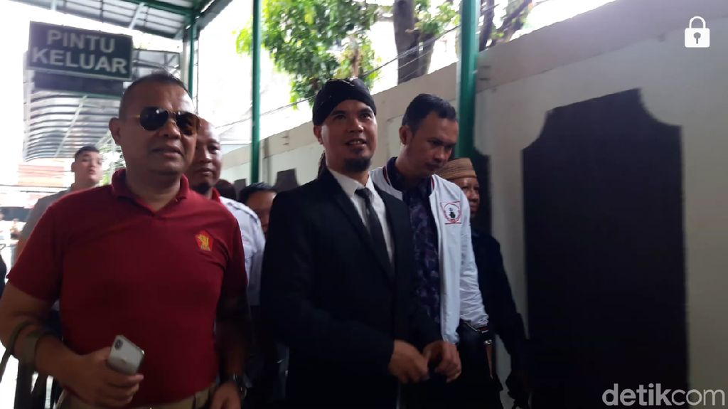 Sidang Eksepsi, Ahmad Dhani Bantah Dirinya Bersalah