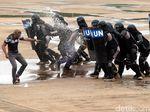 Aksi Pasukan Penjaga Perdamaian Polri Melumpuhkan Teroris