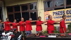 Terungkap! Aksi Komplotan Pencuri Kabel Telkom Ini Sangat Rapi