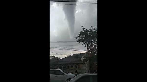 Video Kedahsyatan Puting Beliung di Yogyakarta