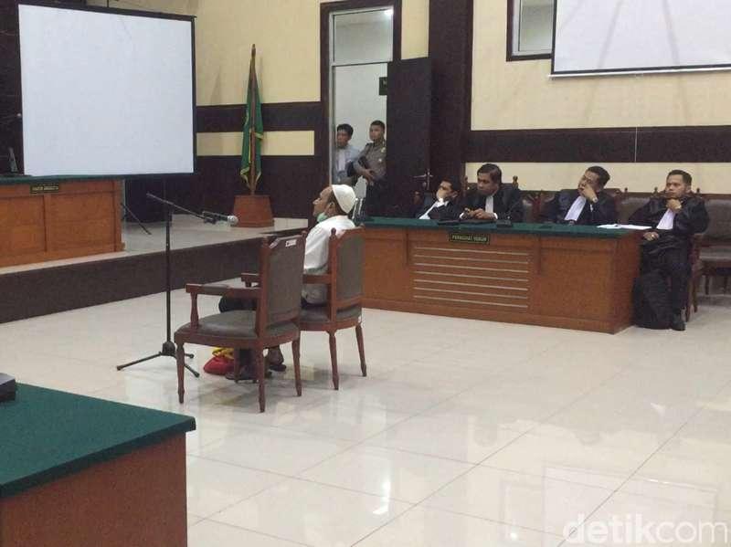 Sidang Pembunuhan dr Letty, Hakim Tolak Eksepsi dr Helmi