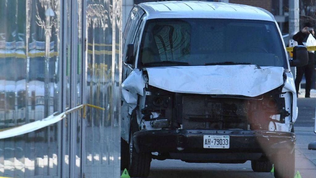 Foto: Van yang Tabrak Pejalan Kaki di Toronto dan Tewaskan 9 Orang