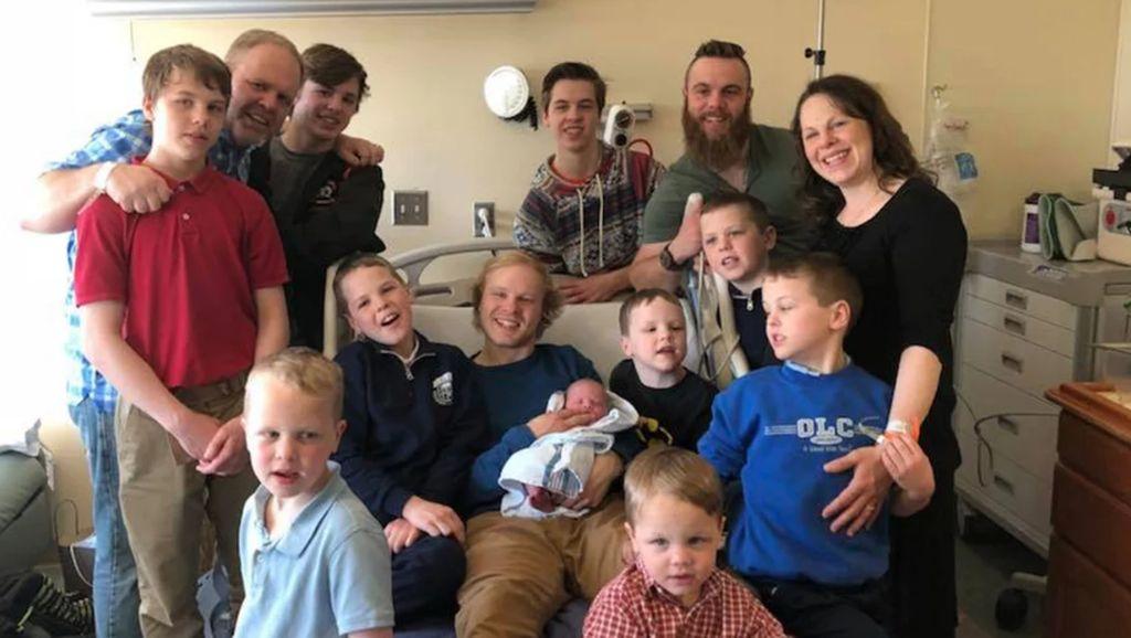 Cerita Orang Tua dengan 14 Anak dan Semuanya Laki-laki