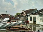 Warga Lihat Angin Kencang yang Sapu Yogya Mirip Tornado