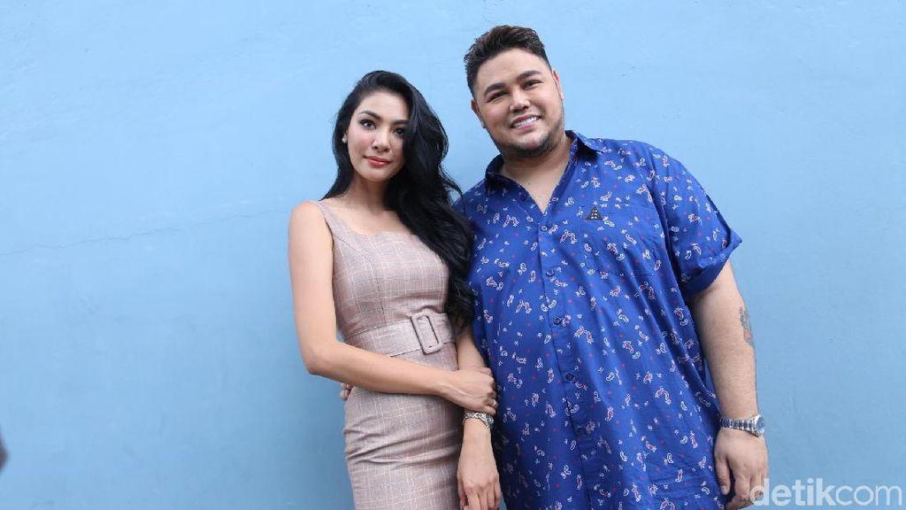 Didatangi Pacar ke Indonesia, Ivan Gunawan Ajak Berlibur ke Bali